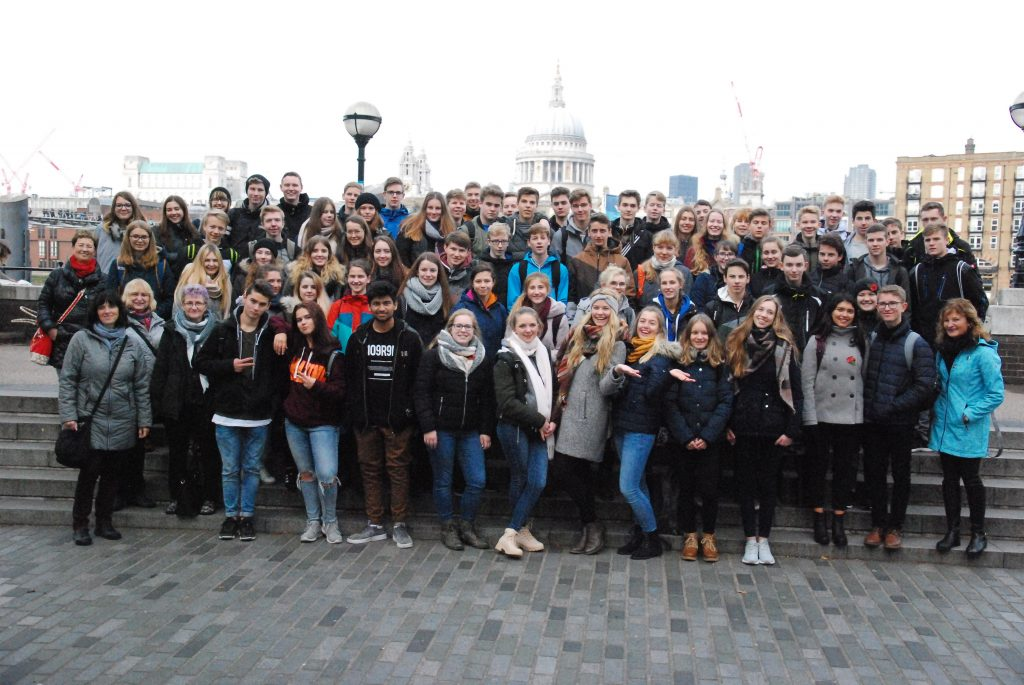 Die Schüler der 10. Klassen fuhren auf Exkursion nach England.